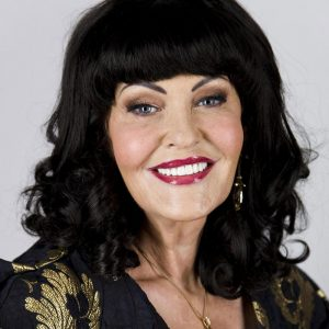 Hilary Devey photo
